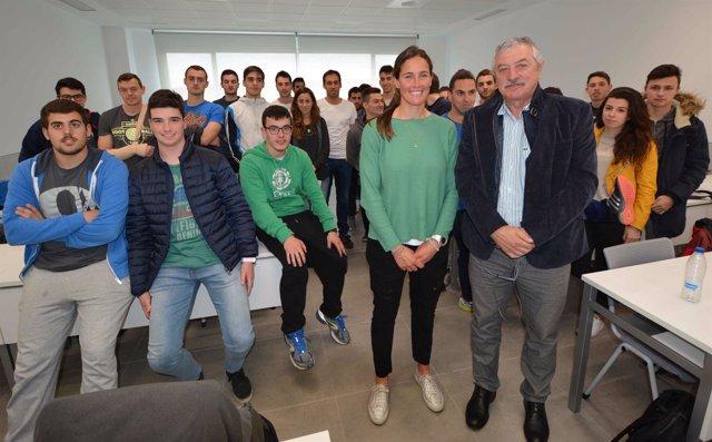 Betanzos y Torralbo con los alumnos
