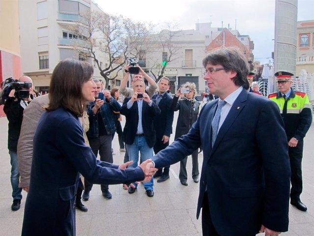 La alcaldesa de Santa Coloma de Gramenet, Núria Parlon, y Carles Puigdemont
