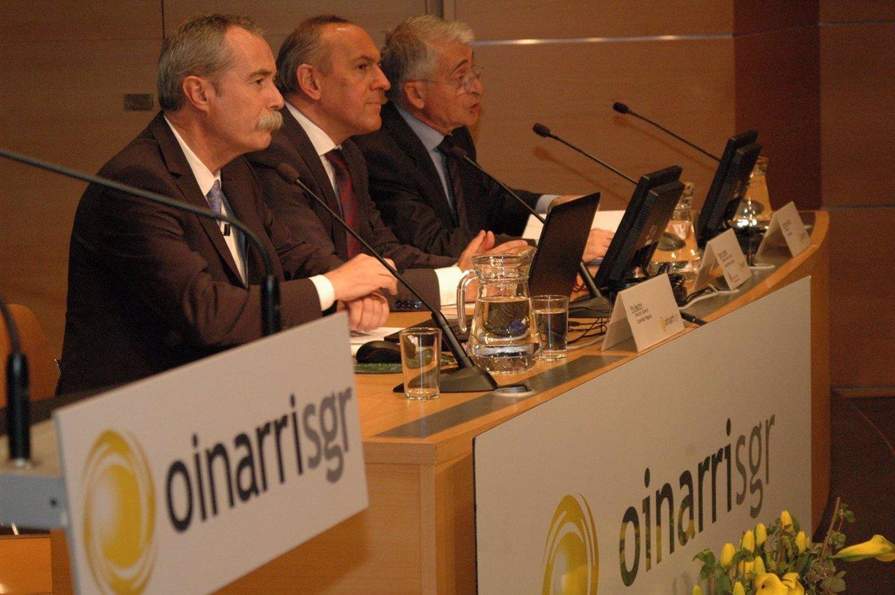 Junta General De Accionistas 2016 De Oinarri  En El Artium De Vitoria,