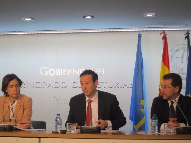 Dolores Carcedo, Guillermo Martínez y Genaro Alonso
