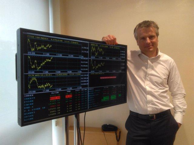 Luyendijk en la Borsa de Barcelona en la presentación de su último libro