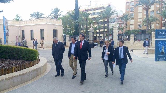 Rajoy, esta mañana, accede al MARQ junto a Isabel Bonig