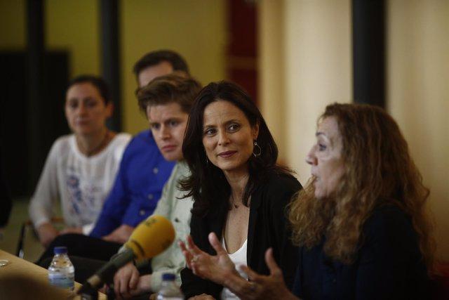 Aitana Sánchez-Gijón y Carme Portaceli