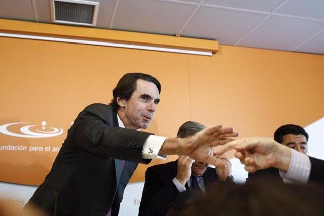 Aznar denuncia la revelación de sus datos tributarios