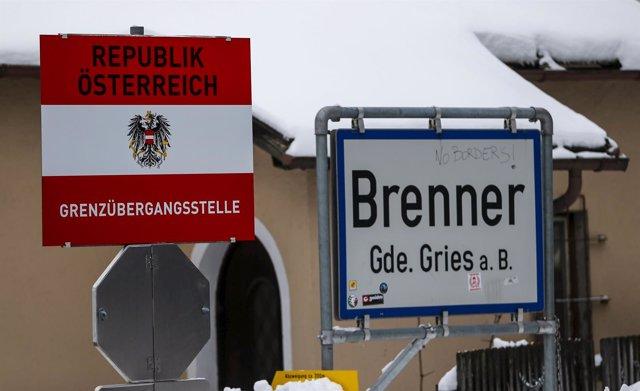 Paso fronterizo de Brenner entre Austria e Italia