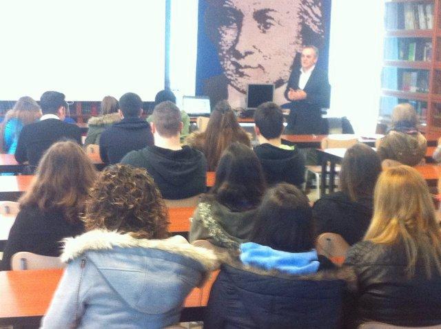 Aprende finanzas en el colegio Salesianos de Los Corrales