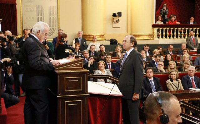 Pío García-Escudero toma posesión como presidente del Senado