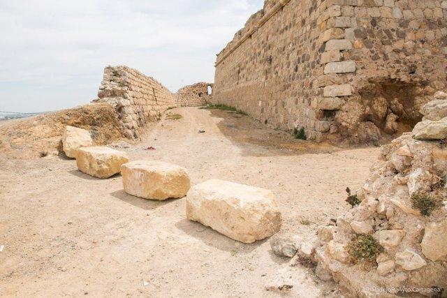 Cortado el acceso rodado al Castillo de los Moros