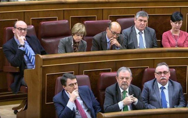 Aitor Esteban, Pedro Azpiazu y diputados del PNV