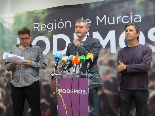 Pedreño, Urralburu y De Urbina en la rueda de prensa