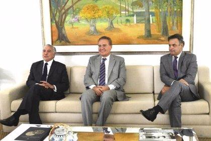 El presidente del Senado brasileño organiza una reunión con Temer y Neves