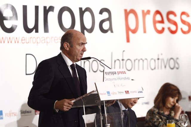 El ministro Luis de Guindos en los Desayunos Informativos de Europa Press