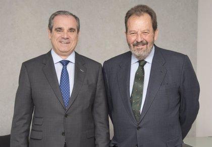 Marca España defiende la cercanía y accesibilidad del modelo español de farmacia