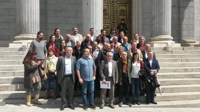 UGT y CC.OO. Se reúnen con los grupos parlamentarios
