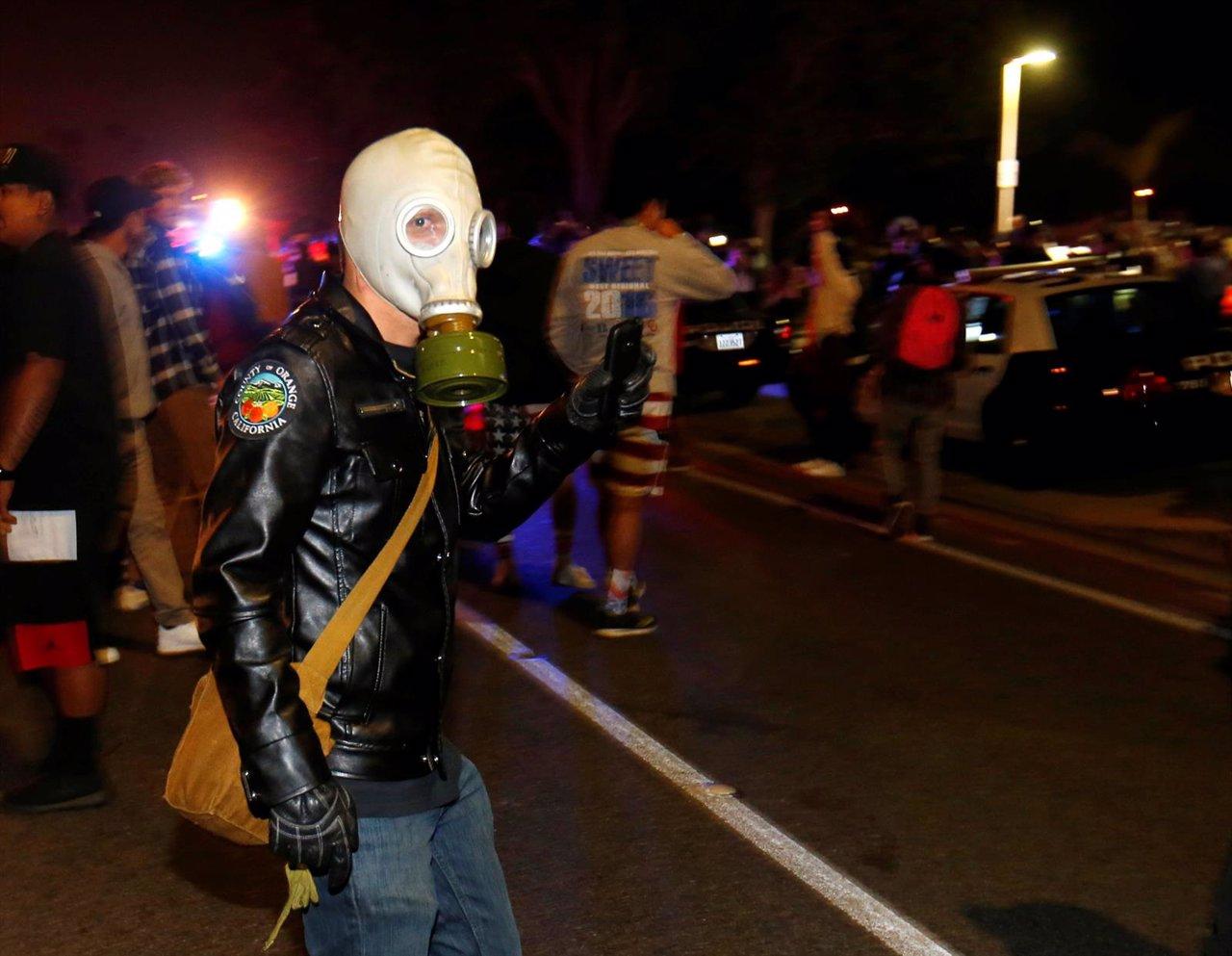 Enfrentamientos entre opositores a Trump y Policía en California