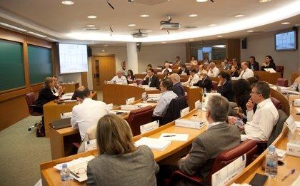 KPMG, IESE Business School y AED crean una escuela para consejeros de empresas
