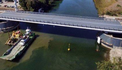 """Azvi afirma que construyó el puente levadizo en Chile """"fielmente"""" al diseño original"""