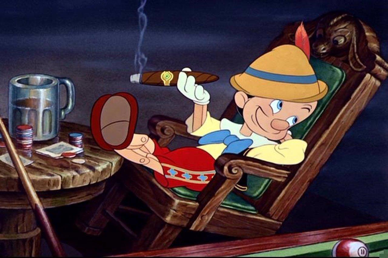 Pinocho fumando