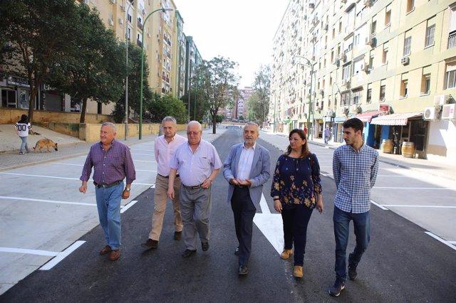 El Ayuntamiento de Sevilla inaugura la reurbanización de El Trébol