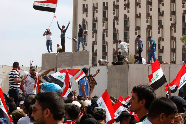 Manifestantes del Movimiento Al Sadr en Bagdad