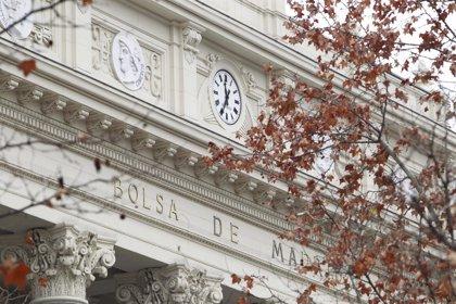 El volumen de contratación de la Bolsa española cae un 21% hasta abril