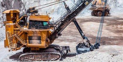 Trabajadores de una mina de BHP Billiton en Chile inician un paro