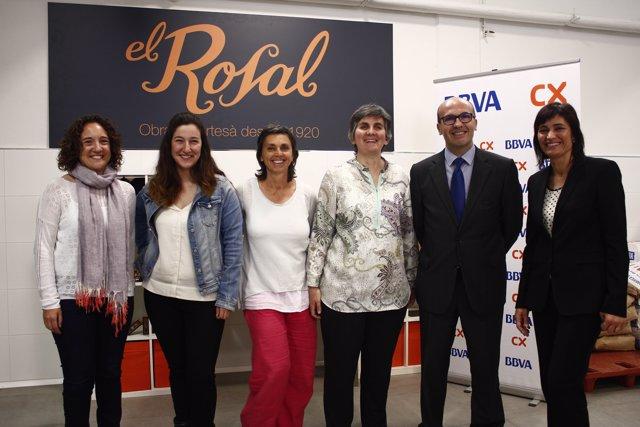 Firma del convenio entre CatalunyaCaixa y la Associació Alba
