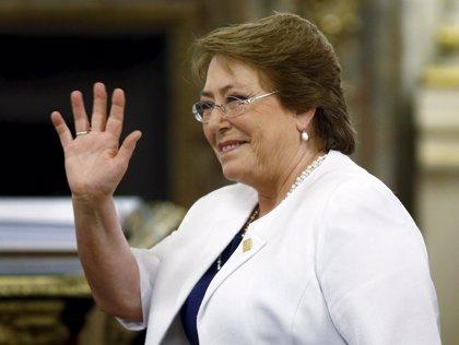 Bachelet recupera popularidad y se sitúa en el 29%