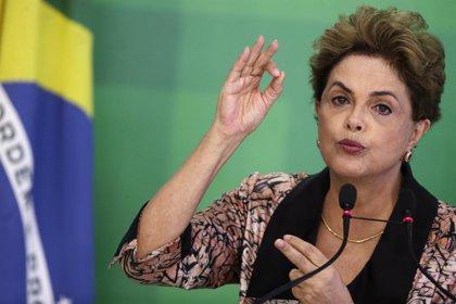 """Rousseff atribuye a """"mentiras"""" la nueva investigación en su contra"""