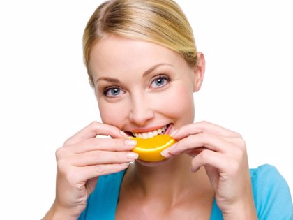 6 hábitos que perjudican a tus dientes sin que lo sepas