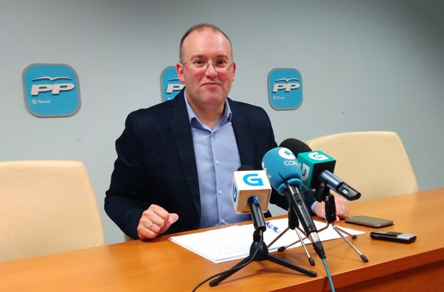 El portavoz del PPdeG, Miguel Tellado, en la rueda de prensa