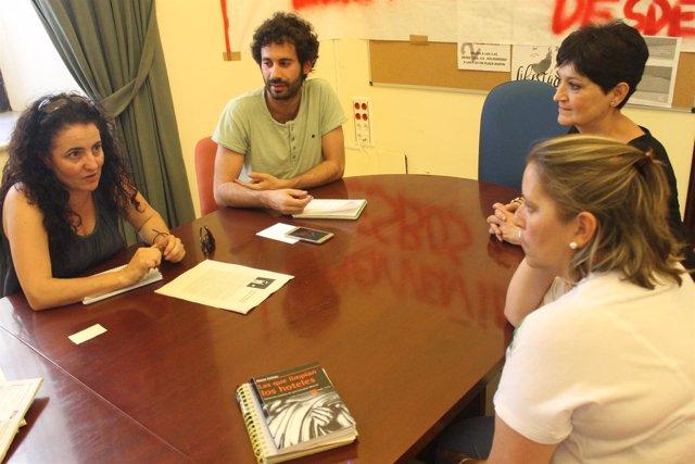 Participa Sevilla critica las condiciones laborales de camareras de piso