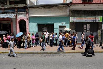 Los venezolanos salen a las calles para protestar contra la crisis que vive el país