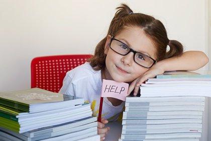 El peligro del exceso de deberes para los niños