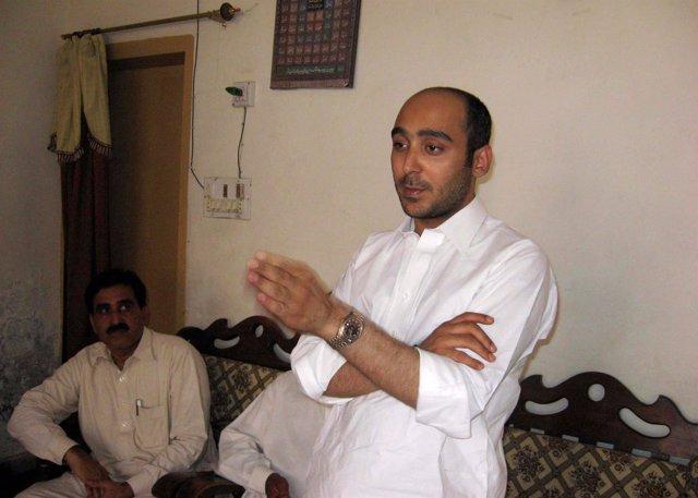 Alí Haider Gilani habla en un acto en Multán