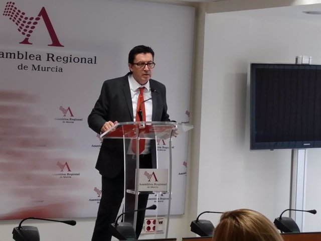 Juan José Molina en rueda de prensa