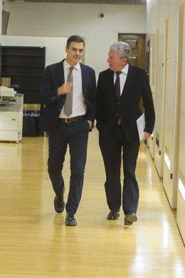 Pedro Sánches se reúne con el diputado de Nueva Canarias, Pedro Quevedo
