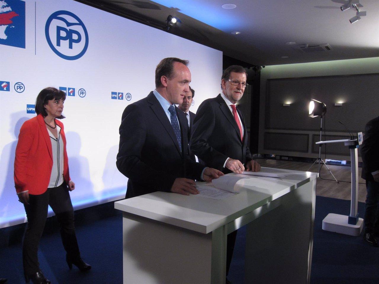 Javier Esparza y Mariano Rajoy.