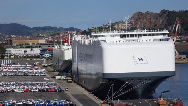 El carguero Höegh Tracer
