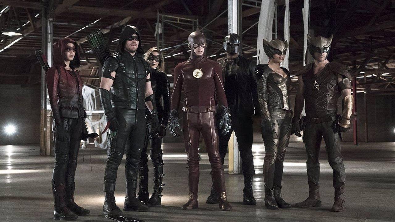Arrow y sus compañeros