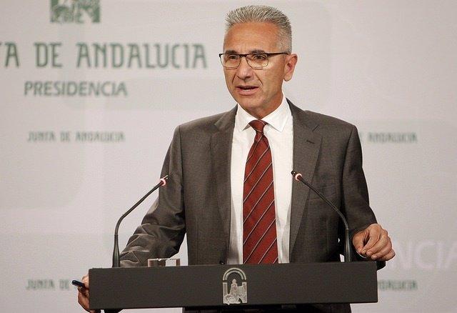 El portavoz del Gobierno andaluz, Miguel Ángel Vázquez, en rueda de prensa