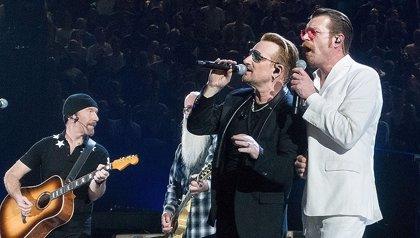 Bono cumple 56 años: las mejores colaboraciones de U2 con otros artistas