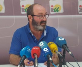 """IU valora el acuerdo con Podemos al anteponerse """"la necesidad de sumar"""""""