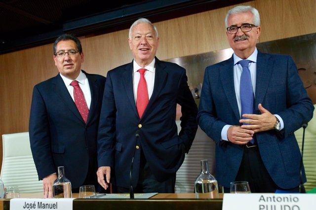 Margallo abre el seminario 'Oportunidades y retos en el Mediterráneo Occidental'