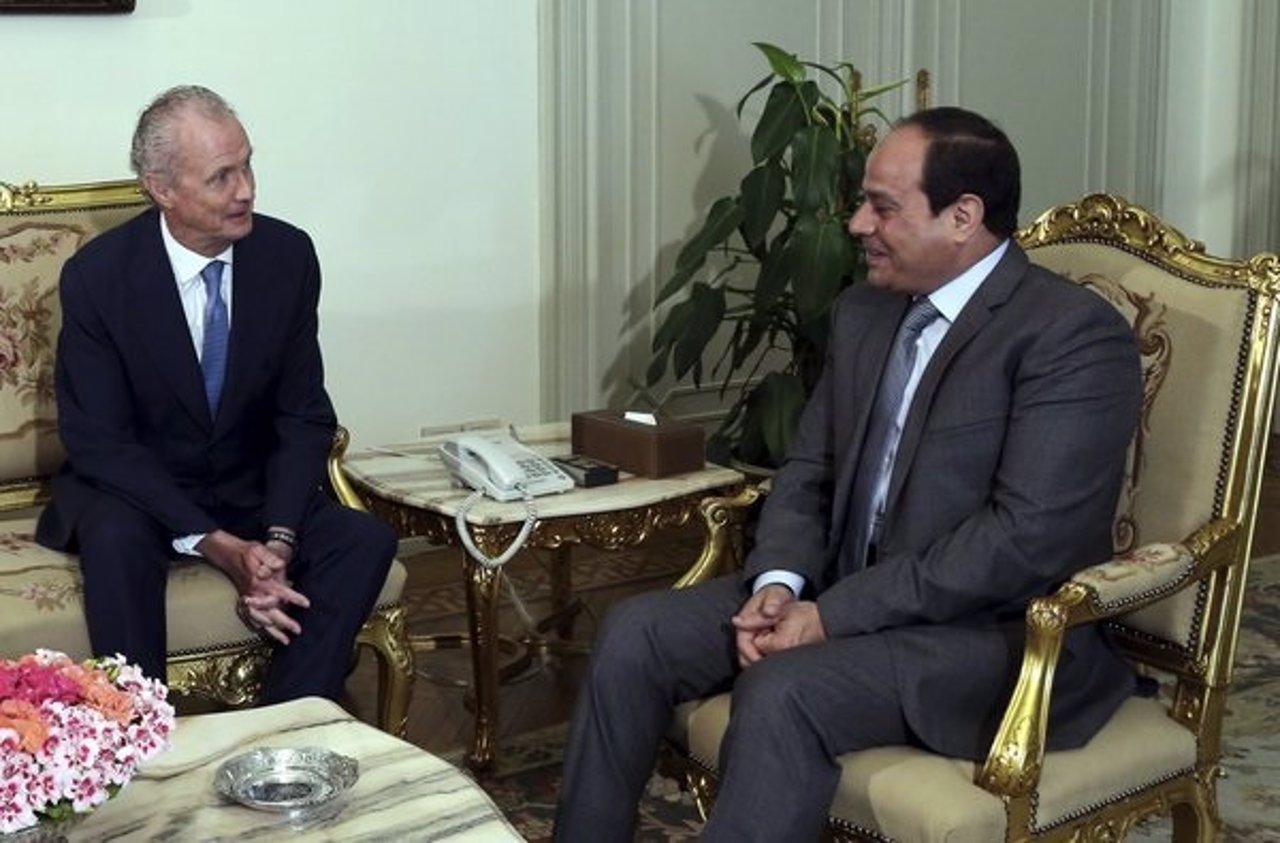 Pedro Morenés se reúne con el presidente de Egipto, Abdelfatá Al Sisi