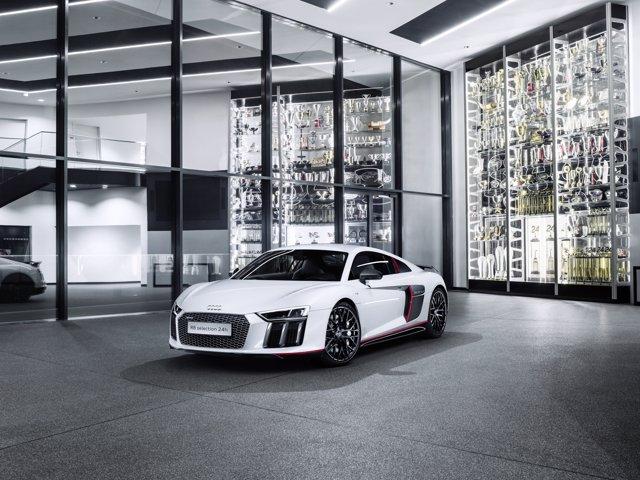 """Audi R8 Coupé V10 plus: selection 24h"""""""
