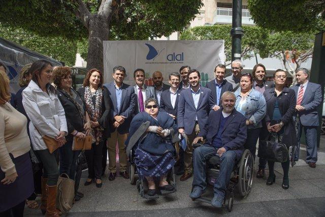 El diputado Ángel Escobar se ha sumado al manifiesto del Día Mundial del Lupus.