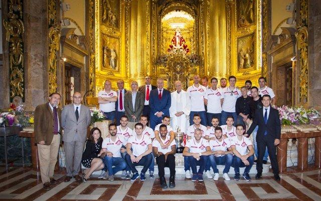 ElPozo Murcia brinda la Copa del Rey a la patrona de la ciudad