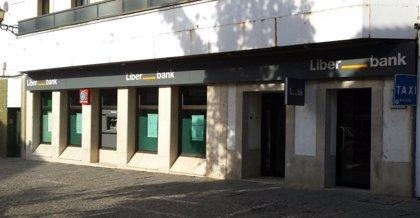 Liberbank gana 38 millones hasta marzo, un 33% menos