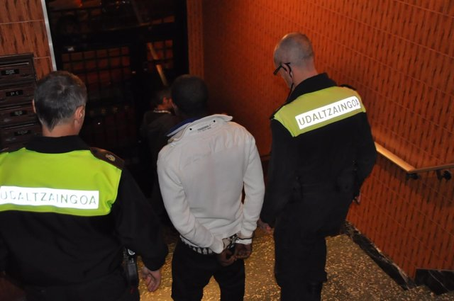 Detención de la Policía Municipal de Bilbao